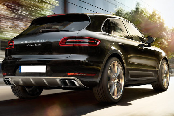 anh ngerkupplungen ahk einbau bei einem porsche macan. Black Bedroom Furniture Sets. Home Design Ideas